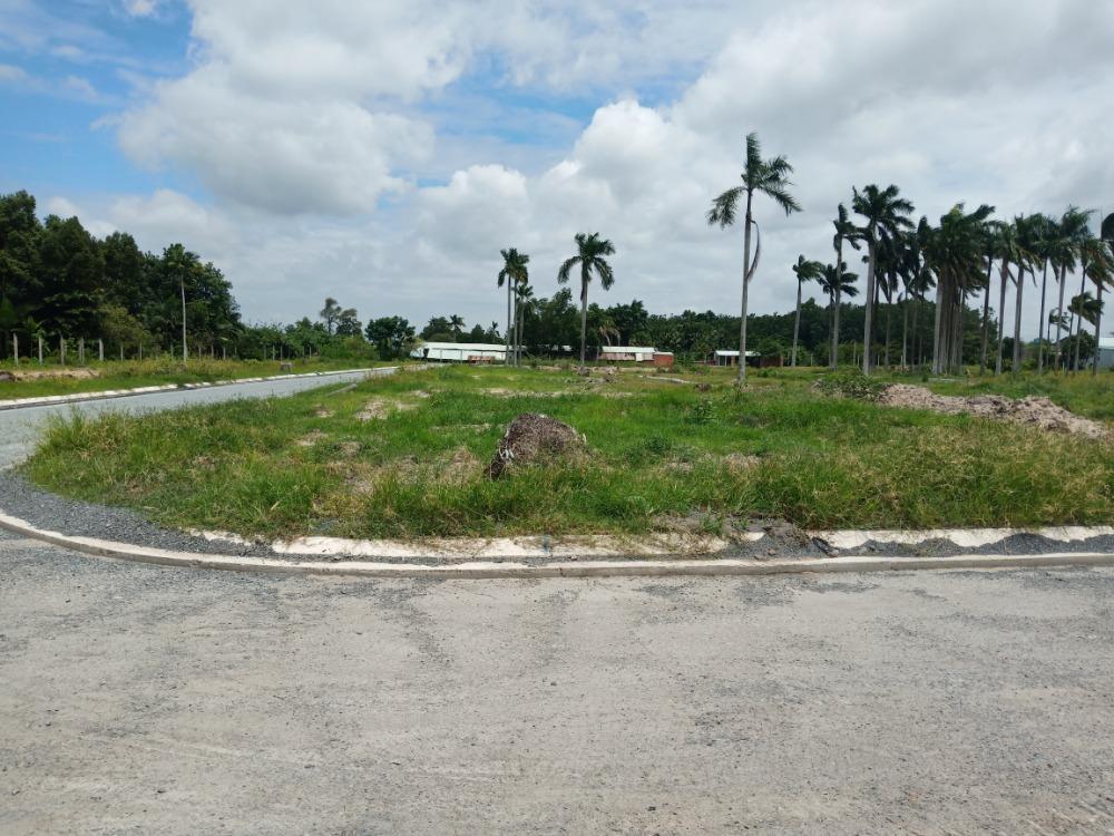 Cần tiền bán gấp lô đất nền mặt tiền Nguyễn Văn Khạ