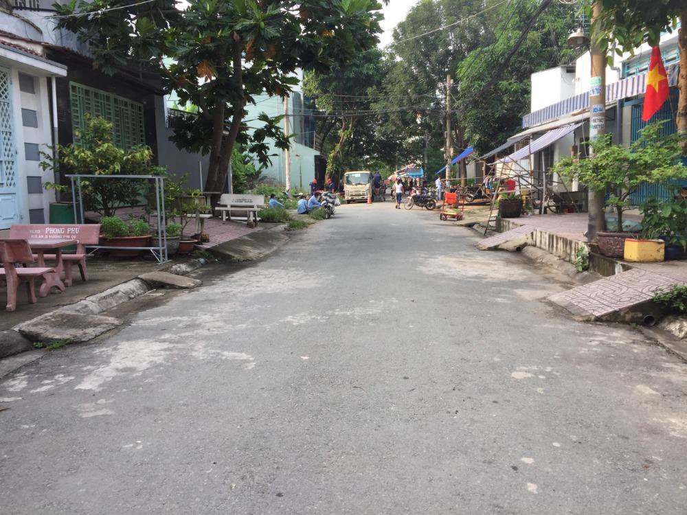 Bán gấp đất chính chủ gần chợ Thuận Đạo