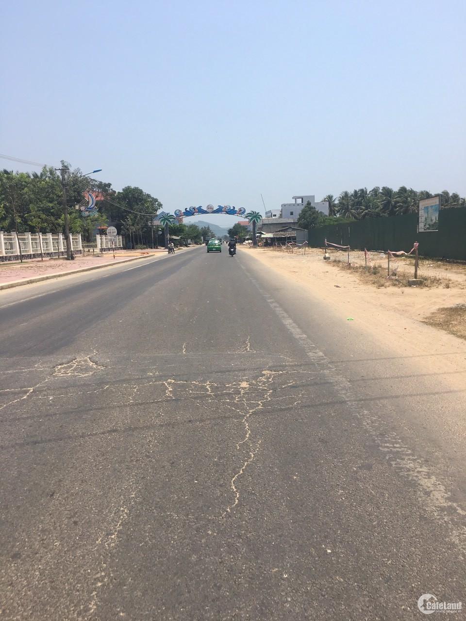 Đất mặt tiền Quốc lộ 1A trung tâm thị xã giá rẻ