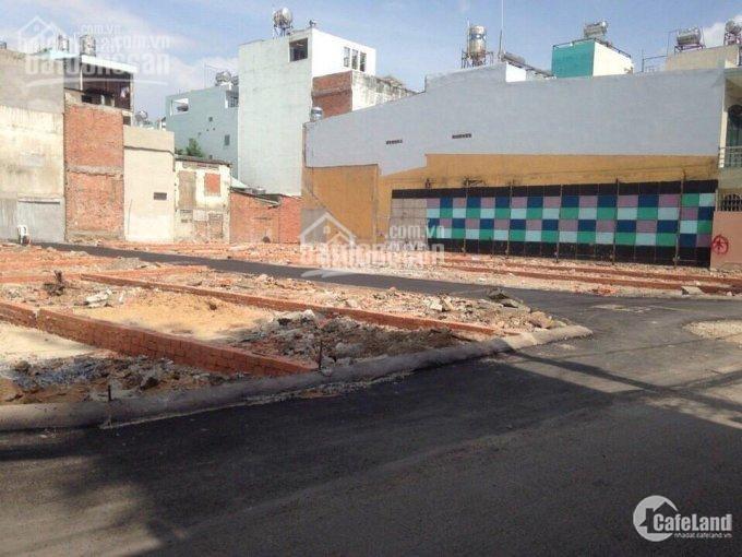 Bán đất ngay Chợ Hóc Môn.DT từ 80m2,Sổ riêng,giá Chỉ từ 900 triệu/nền,tiện kd