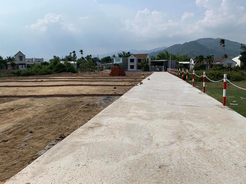 Còn sótlại lô đất View Sông khí hậu mát mẻ quanh năm thuộc Diên Phú Giáp Vĩnh T