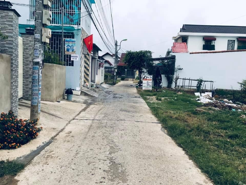 Lô Góc 2 mặt tiền sau UBND Xã Vĩnh Trung, gía chỉ 12tr/m2.