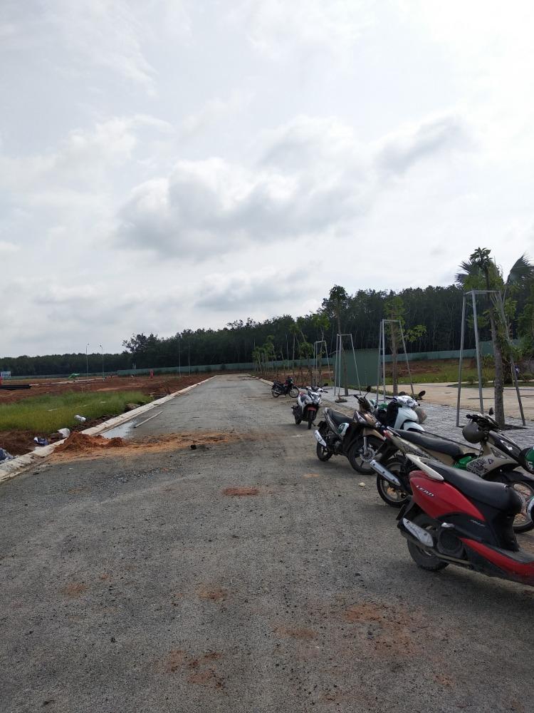 Cần bán đất ở đối diện Cổng Vsip2a - Mặt tiền trục chính liên tỉnh các nối