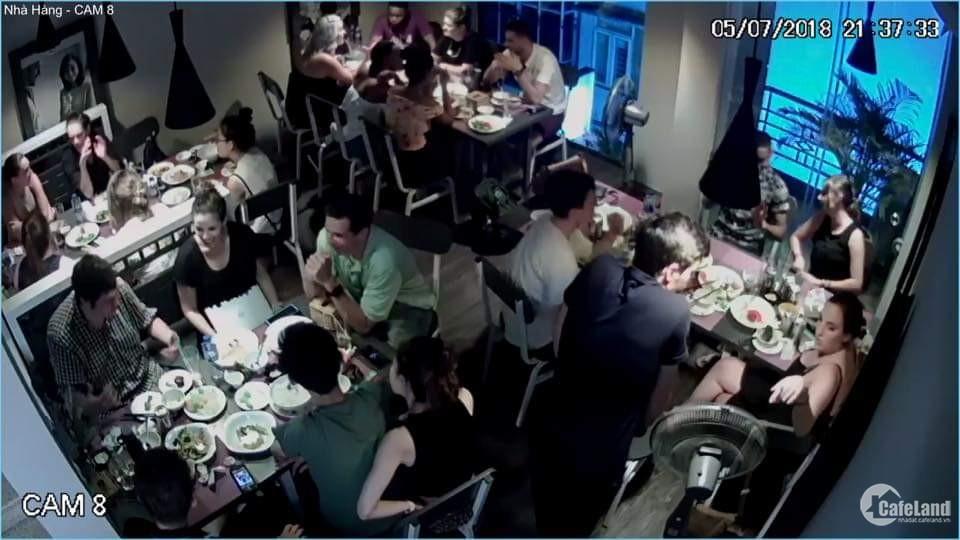 San nhượng nhà hàng trên phố Láng Hạ nhà rất đẹp và đông khách