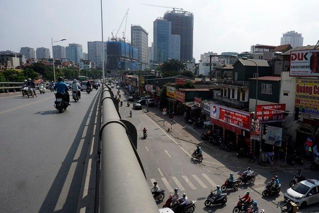 Cho thuê nhà phố Lê Văn Lương làm văn phòng, ngân hàng, showroom, cafe trà sữa,