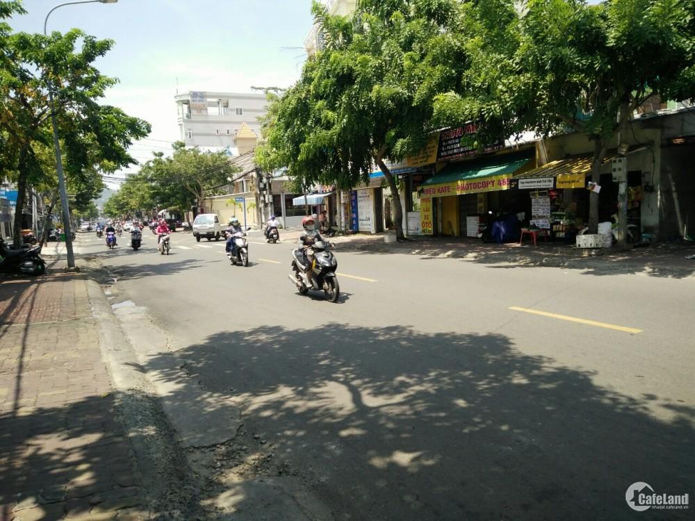 Cho thuê nhà mặt tiền đường Trương Công Định 1 trệt 3 lầu sd 350m2
