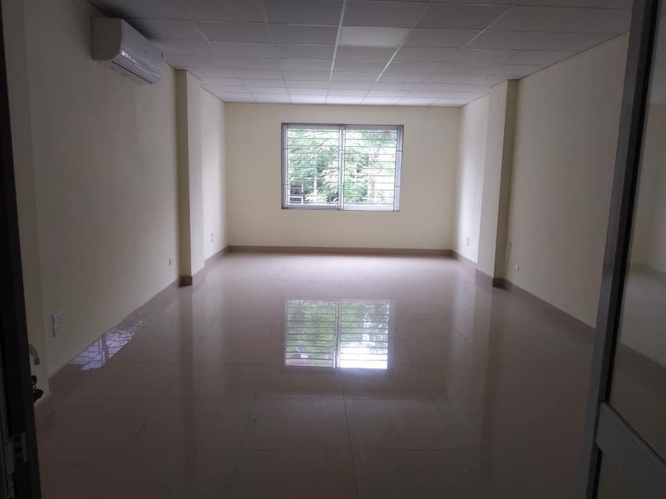 - Cho thuê ngay tầng 1, tầng 2 trong ngõ Nguyễn Khánh Toàn