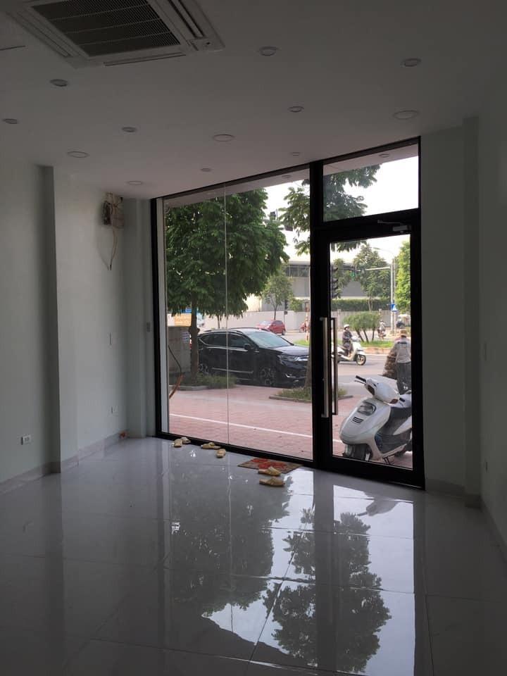 Cho thuê nhà riêng Nguyễn Văn Cừ 40m2x5 có tháng máy 4m mặt tiền. LH 0834888865