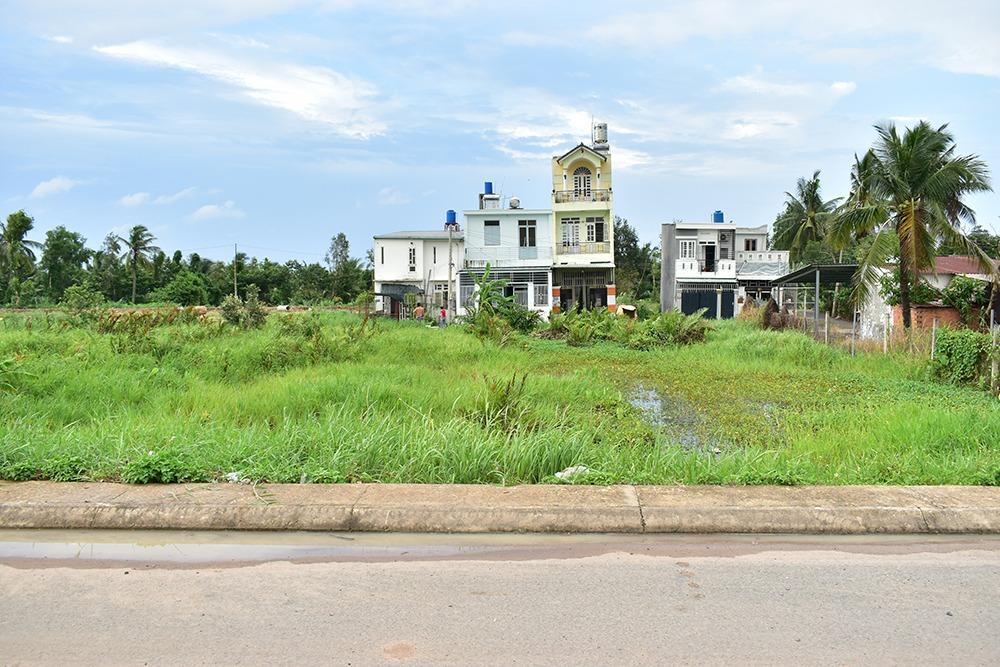 Bán đất mặt tiền đường Dương Công Khi