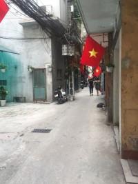 Hàng rẻ quá chất, nhỉnh 2 tỷ Minh Khai ở ngay, 3 ngủ, 2 mặt thoáng.