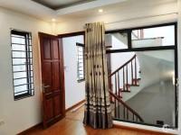 Bán gấp nhà phố Tam Hiệp, ô tô, phun nội thất cao cấp, 4 tầng giá hơn 2 tỷ.