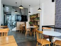 Cho thuê Mt KD Trần Quang Khải, Q1. Dt 10x10, 3 tầng. Làm CF, quán ăn, showroom.