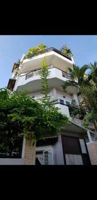 Cho thuê Mặt Tiền Nguyễn Tất Thành, Q.4- 7 Tầng Lầu, có thang máy, 90tr/th