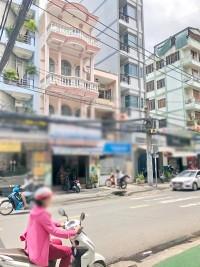 Cho thuê gấp nhà 3 lầu sân thượng mặt tiền đường Vĩnh Hội phường 4 quận 4.