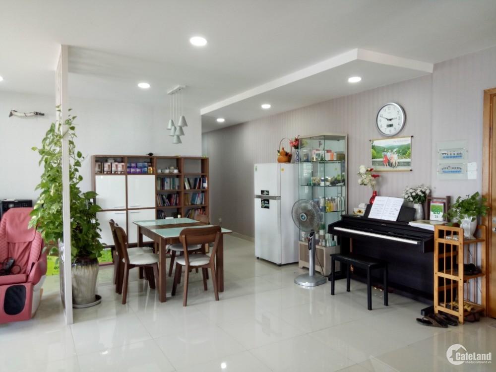 Bán căn hộ Valeo Đầm Sen, DT 109m2, 3 Phòng Ngủ, giá 3.59 tỷ thương lượng mạnh