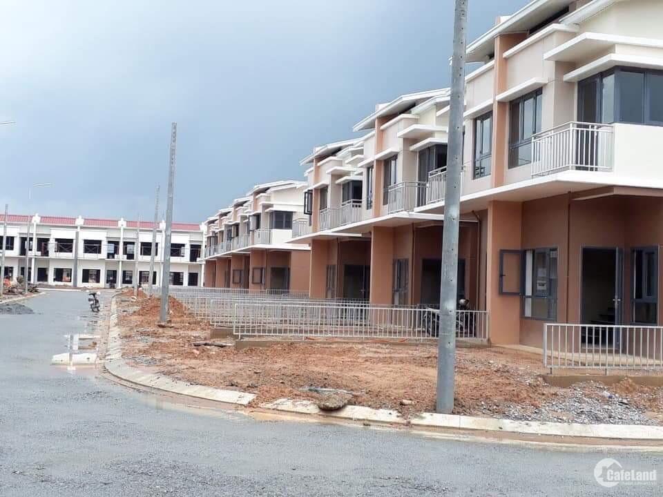 nhà một trệt một lầu hỗ trợ vay ngân hàng 70% tại KCN Mỹ Phước Bình Dương