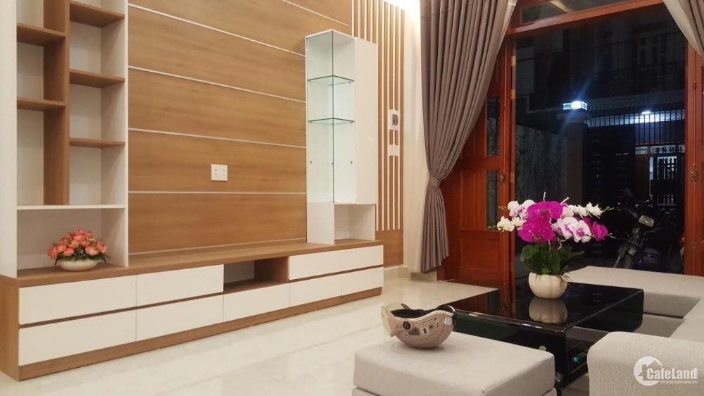 Bán nhà Liền kề Gò Vấp 500m - Ngã Tư Ga XD 3 Tầng, Sân xe hơi, sổ hồng riêng