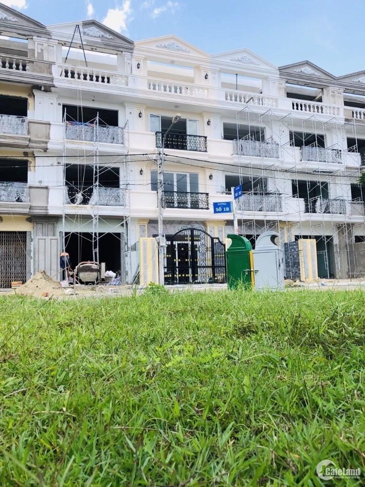Bán nhà mặt tiền, khu Tên Lửa, đối diện Aeon Bình Tân, TP HCM
