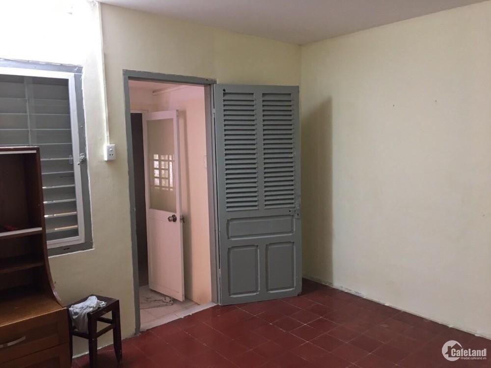 Bán nhà đẹp tại đường Trần Hữu Trang, p11, quận Phú Nhuận, giá tốt