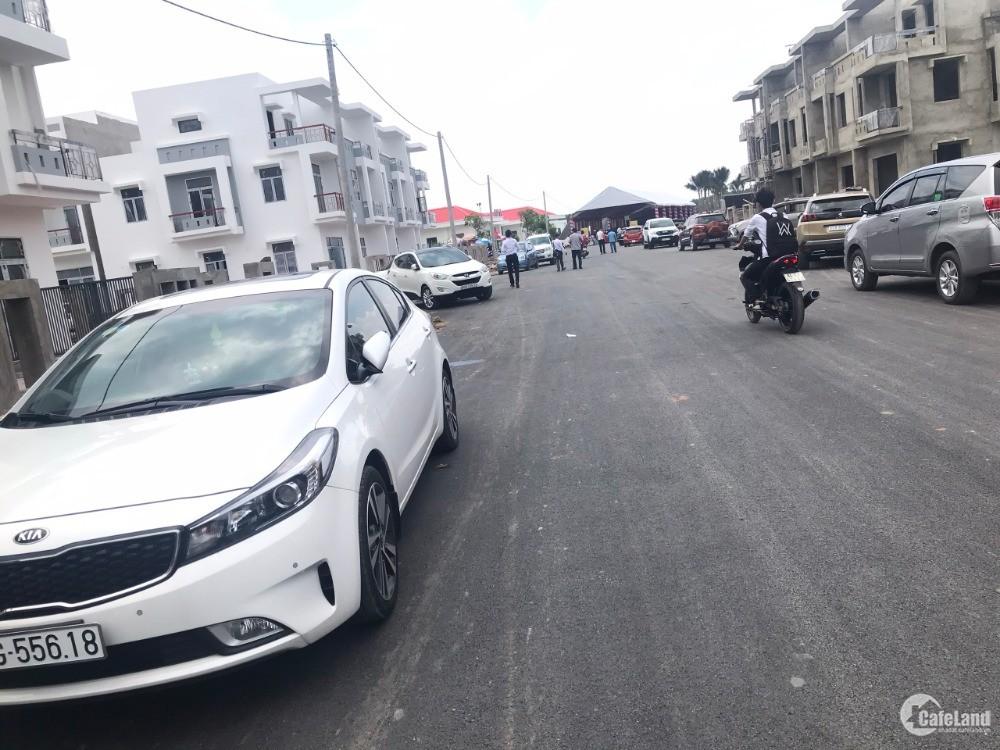 Đáp ứng nhu cầu BĐS gần sân bay Long Thành tăng cao, bán nhà phố SHR