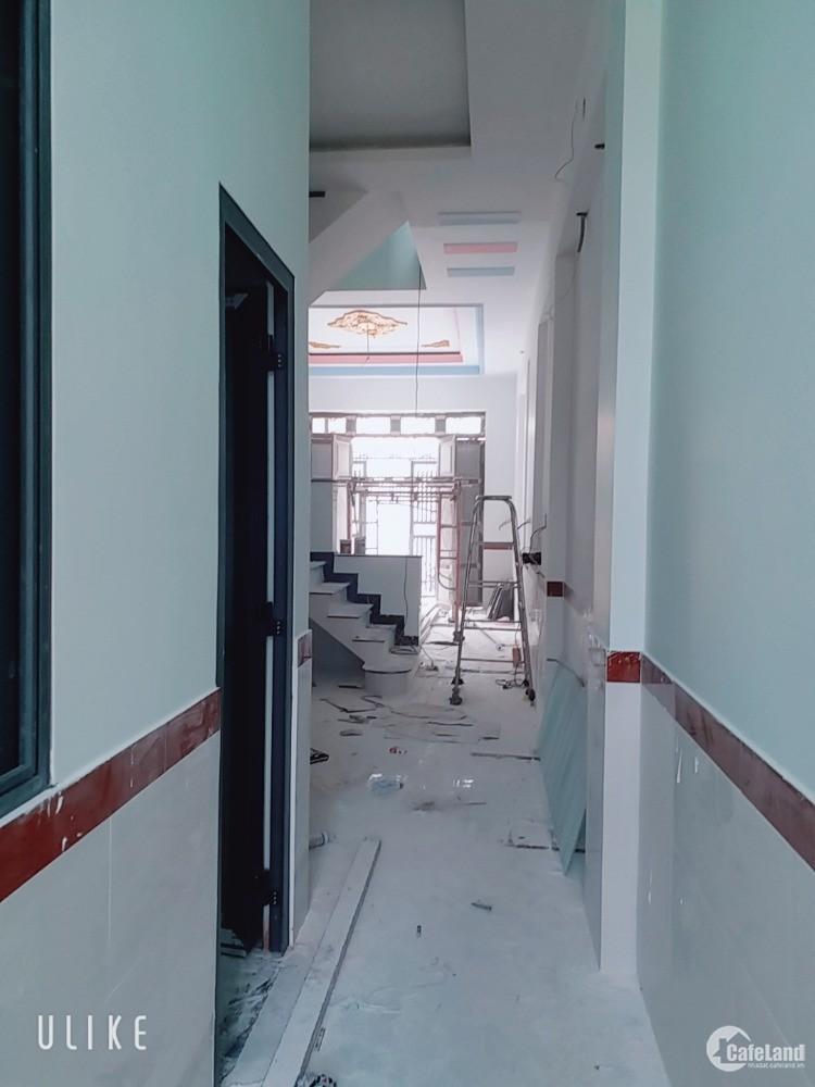 Bán nhà 1 lầu 1 trệt, 69m, sổ riêng, 3 ph ngủ , đường nhựa 12m