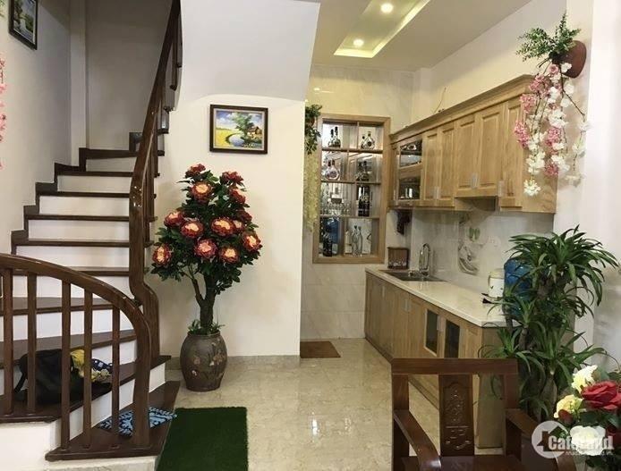 Bán nhà phố Tôn Đức Thắng, Thông Phong, Văn Hương, DT 40m2, 5 tầng, MT 4.5m, giá