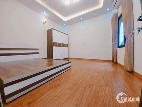 Siêu khủng, siêu rẻ, bán nhà tại Nguyễn Chí Thanh 40m2 với 6 tầng giá 4,1 ty