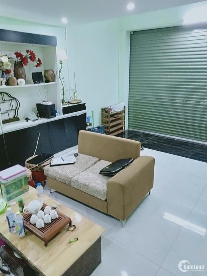 nhà siêu hot phố Bùi Ngọc Dương cách phố Hồng Mai chỉ 50m - 31m2 4 tầng giá 2,8