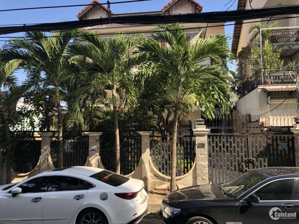 Bán biệt thự đôi 493m2 đường 8m Nguyễn Văn Linh, P. Bình Thuận, Quận 7