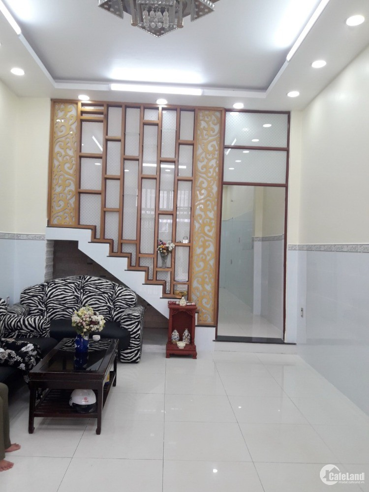 Bán nhà 1 lầu mặt tiền hẻm 4m 1027 Huỳnh Tấn Phát Quận 7