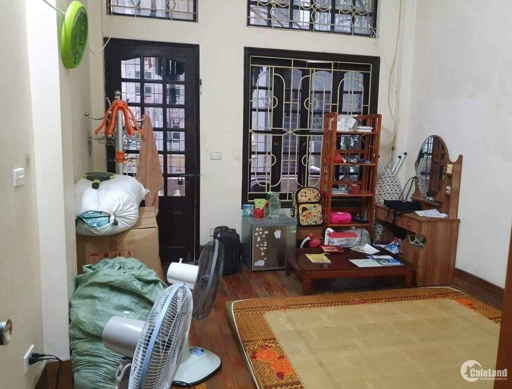 Bán nhà phân lô ba gác đô Nguyên Lân DT 45m2 giá 3.7 tỷ. 0913459393.