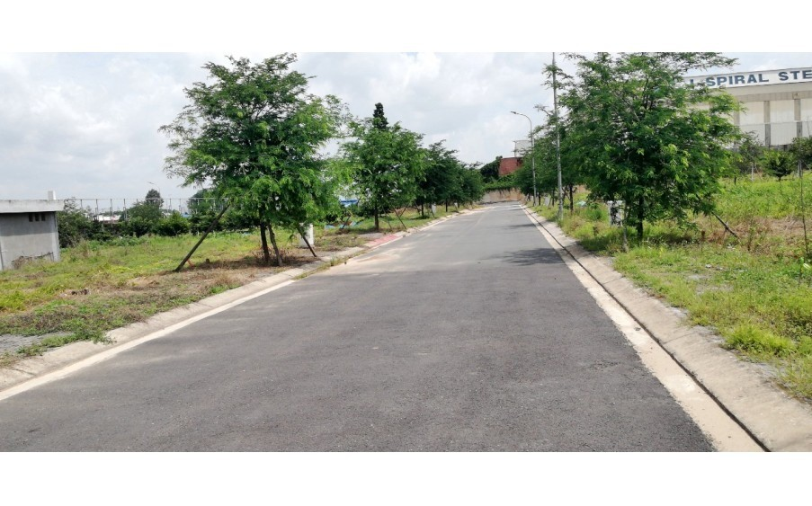 Cần bán gấp lô góc khuôn viện, đất tại KDC Thương Mại Phước Thái, SHR, 1ty500