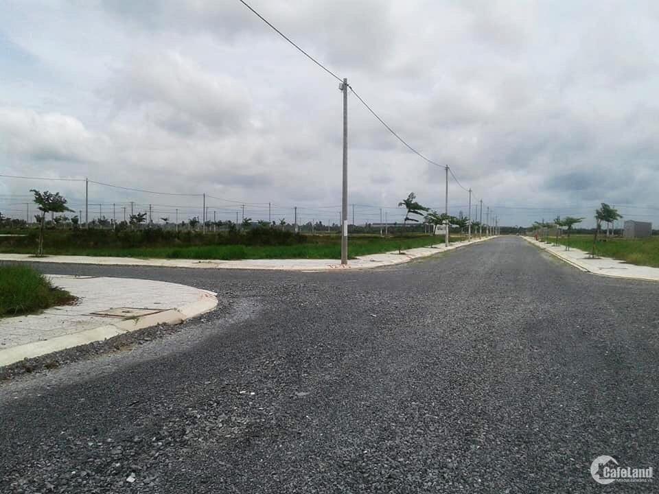 Mở bán đất khu dân cư mặt tiền đường 20m, sổ riêng sang tên ngay.LH: 0772692334