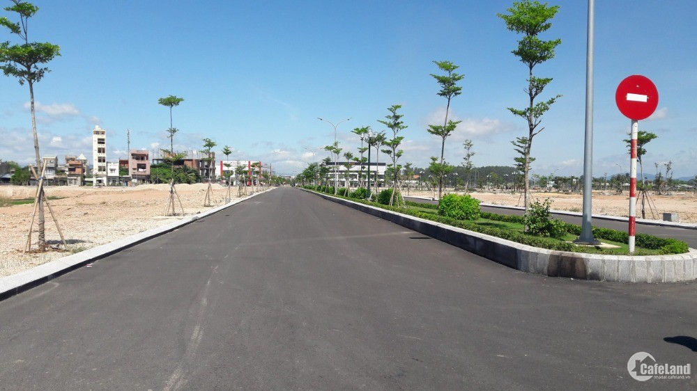 Đất mặt tiền Quốc lộ 1A mua đầu tư hoặc ở đều tốt