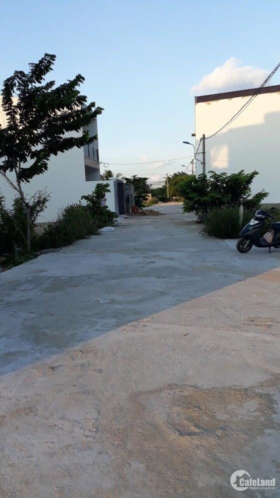 Bán đất Vĩnh Trung, Nha Trang vị trí cách Cao Bá Quát Cầu Lùng 500m. Giá 12.5tr/