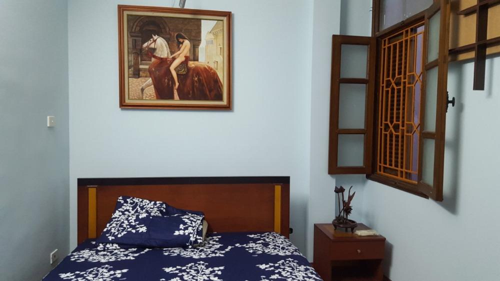 Cho thuê nhà tại phố Quan Thánh, quận Ba Đình, Hà Nội