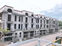Nhà phố thương mại 96m2 - Nhà mới đón Tết