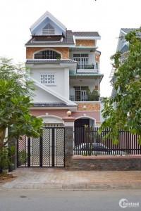 Bán nhà đẹp 2 mặt tiền tai đường số 10, khu Khang Điền, quận 9, giá tốt