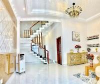 Villa trắng cực sang trọng mới hoàn thiện đường Huỳnh Tấn Phát, Q7