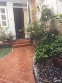 Bán Nhà hẻm Thích Quảng Đức, P5, Phú Nhuận, nhà rộng có sân vườn