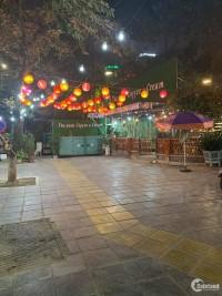 Cho thuê nhà mặt phố Kim Mã giao Giang Văn Minh: 216m2, mặt tiền 6m, có vỉa hè.