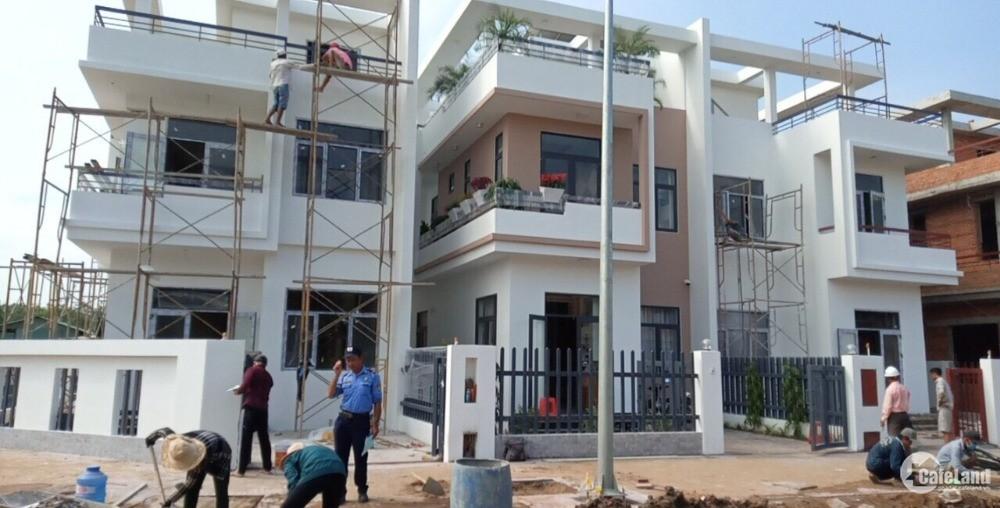 Bán nhà xây sẵn 1 trệt 2 lầu Phan Văn Hớn 1,4 tỷ.