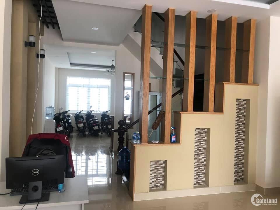 Cần bán gấp căn nhà phố cao cấp đúc thật 1 trệt 3 lầu, DTSD 320m2.