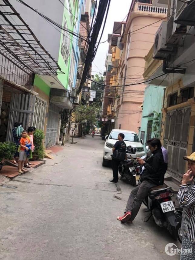 Nhà Nguyễn Chí Thanh, Ba Đình, ô tô tránh, kinh doanh 56m2x4T, giá 7.6 tỷ.