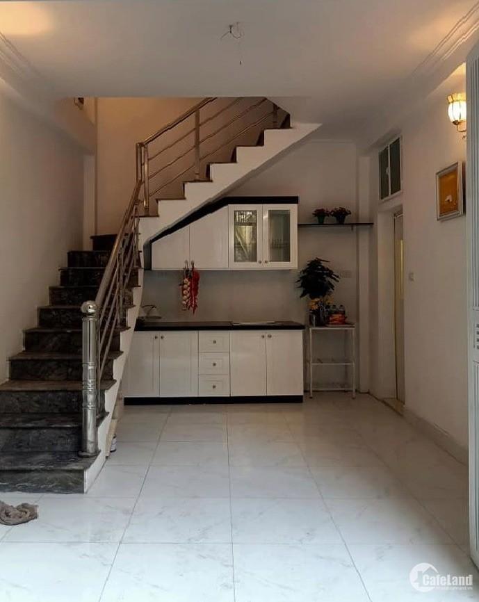 Chỉ nhỉnh hơn 2 tỉ có nhà đẹp 4 tầng mới tại trung tâm quận Ba Đình