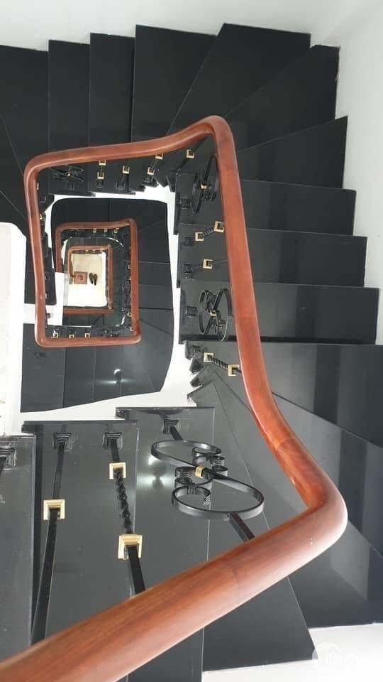 Kim Ngưu, nhà đẹp, ở luôn, giá tốt, 38m2, 3.5 tỷ. 0988605241.