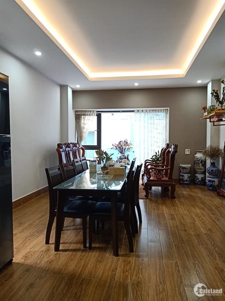 Phân lô Kim Đồng, ô tô vào nhà, 5 tầng xây mới 35m2, giá hợp lý.