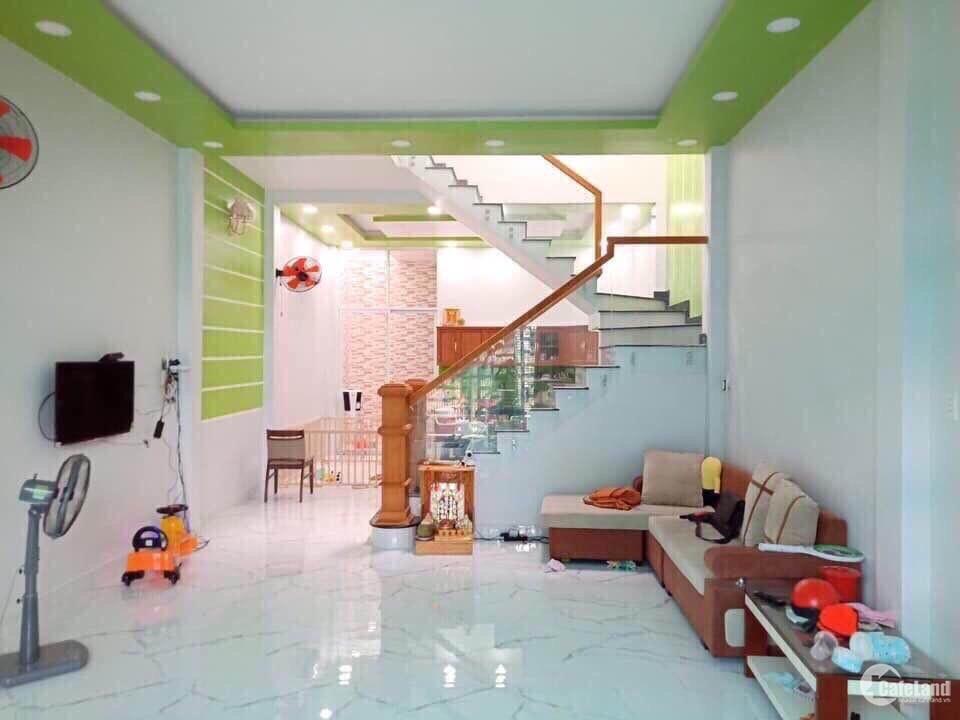 Bán nhà 1 trệt 1 lầu diện tích 5*21, gần AEON MALL Tân Phú. GIá 4,4 tỷ TL.