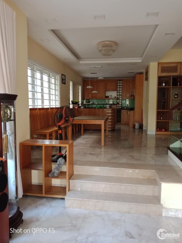 Cho thuê biệt thự Khu đô thị Việt Hưng phù hợp là Văn  phòng, dạy học, mầm non