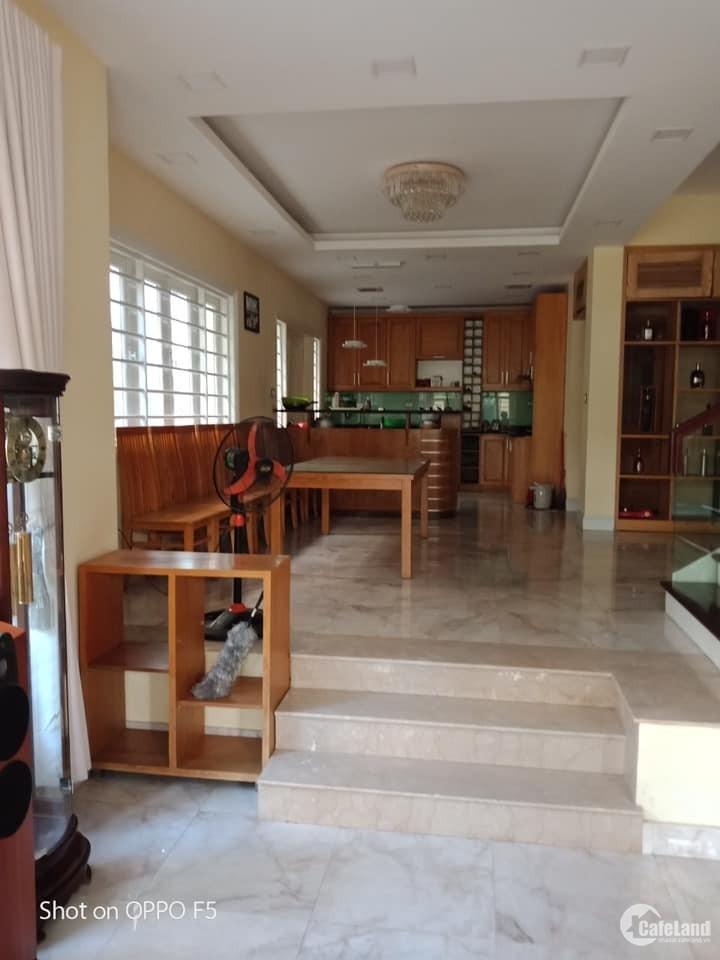 Cho thuê biệt thự Khu đô thị Việt Hưng phù hợp làm văn phòng, dạy học, mầm non